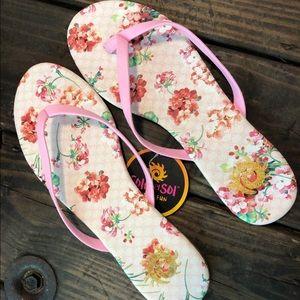 NWT Flip Flops Floral Pink Sandals